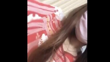 大胆美女主播潜入洗浴中心直播还偷拍了一些美女更衣视频给狼友分享