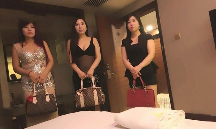 真实自拍五星级酒店操个气质漂亮的熟女先口爆再啪啪快射时女的很吃惊说啊你在录像啊男不承认赶紧走