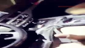 某外围漂亮女主播半夜和开奥迪车的土鳖大叔车震喷湿了他的车