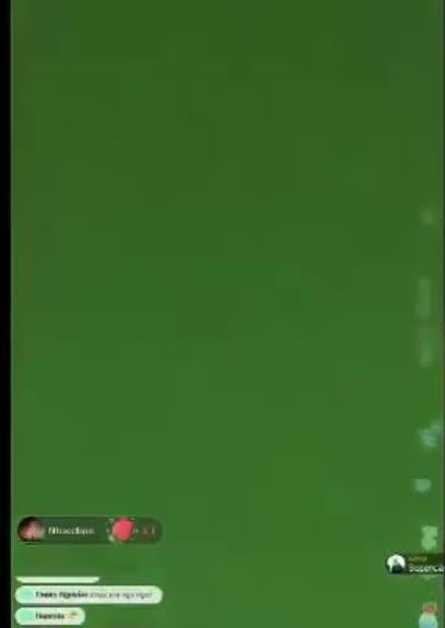 「拜託让我们看看小红枣」直播到一半突然萤幕转黑三秒...巨乳妹的胸罩不见啦!
