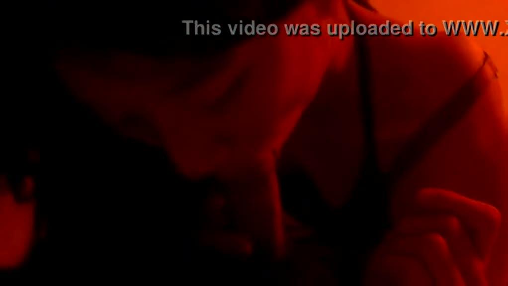 因为太犯贱!!女大生影片被好姊妹流出{口交篇2}