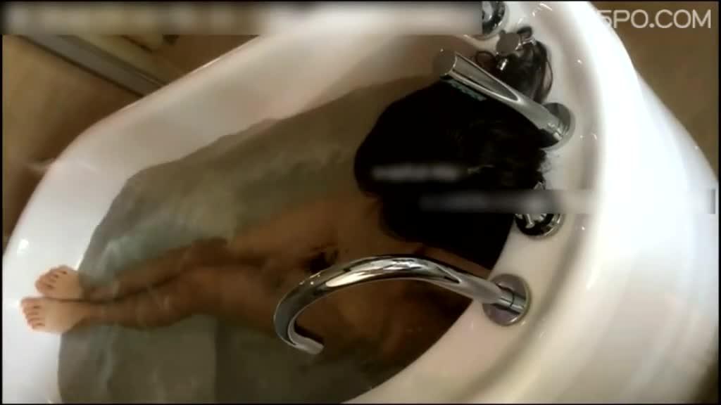 [本土有声]在浴缸和偷情的少妇调情,她讲话也太淫蕩了吧!