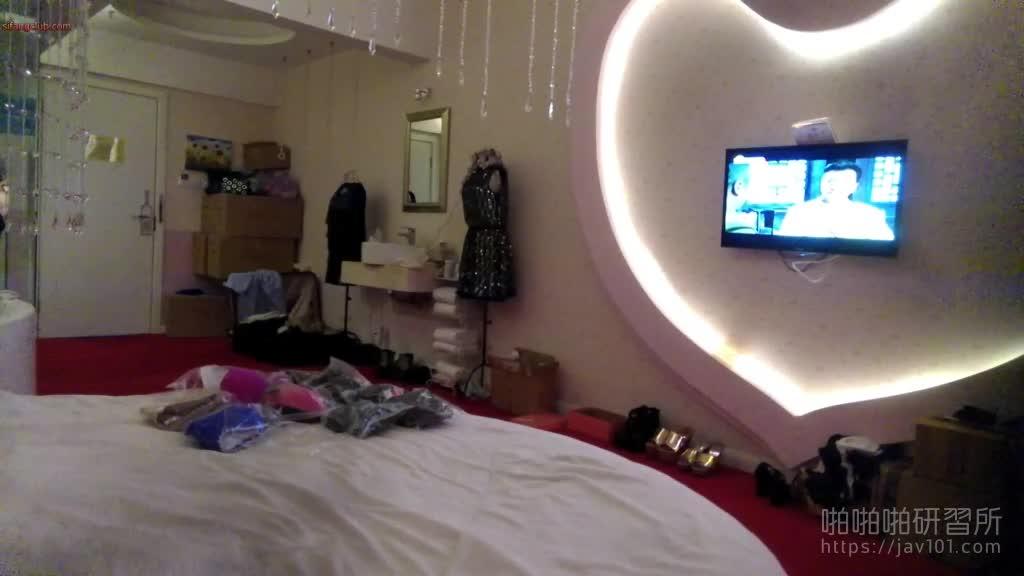 北京极上素人-奶子很肥的模特儿这下被看光光了 2