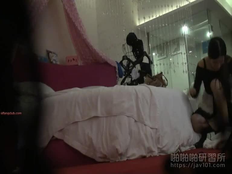北京极上素人-奶子很肥的模特儿这下被看光光了 14