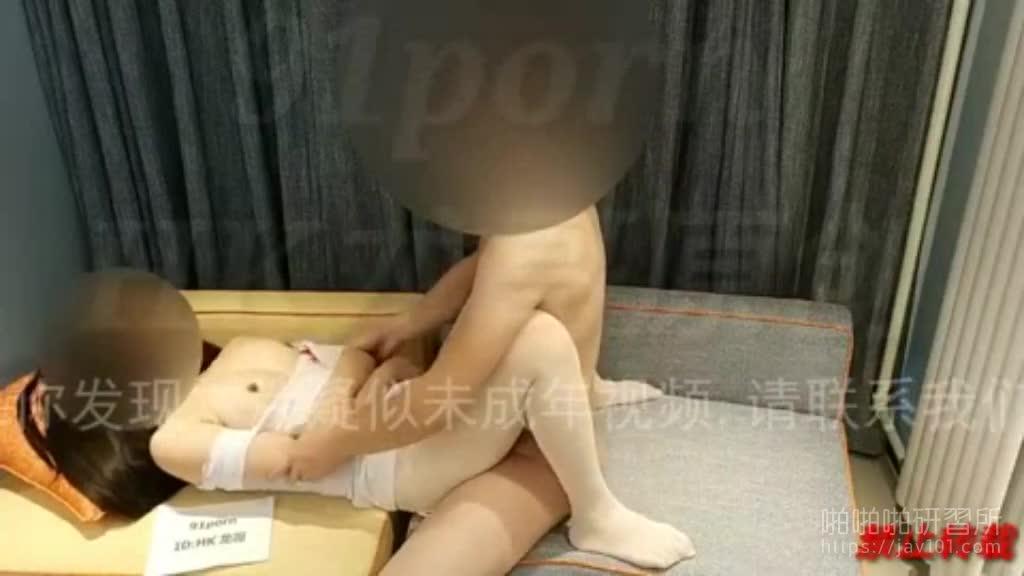 护士装骚货被插的高潮抽蓄