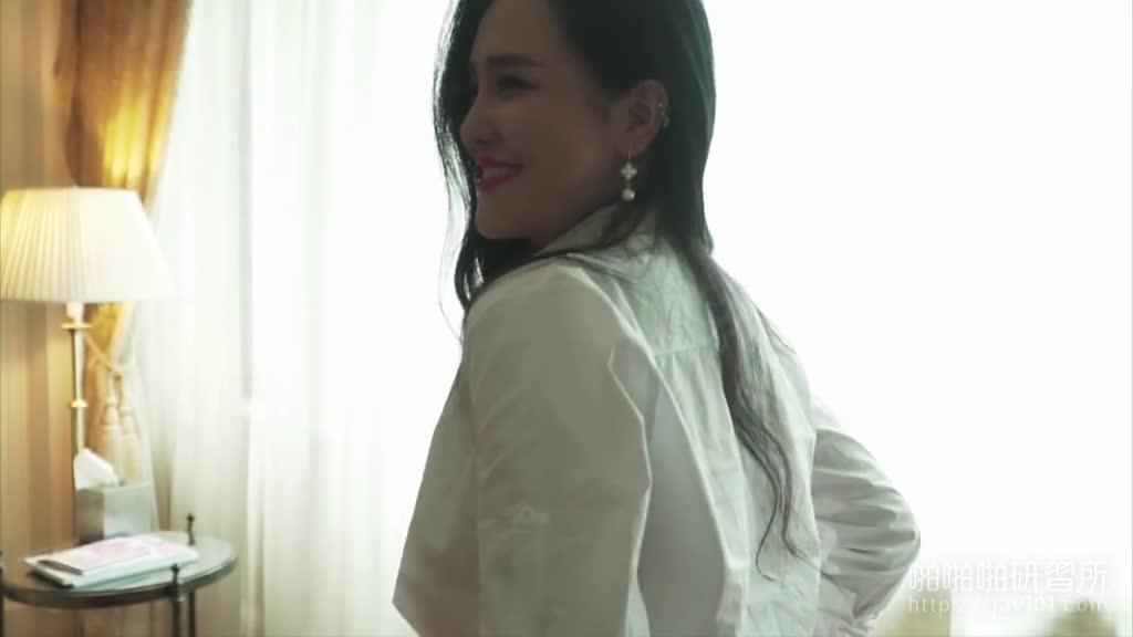 网红刘钰儿脱下性感红肚兜劲爆视频!