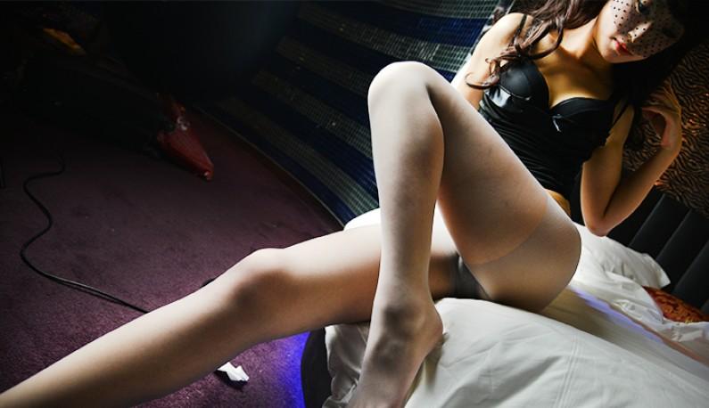 [学生妹系列] 长腿女大生潘小萌 接受摄淫师的私拍邀约