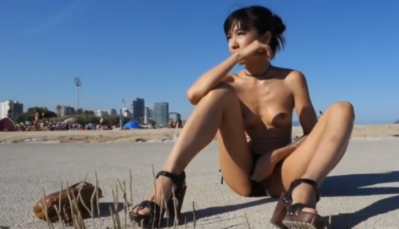 [混血公主的逆袭] 中日混血高挑妹 迪卡侬门事件女主角 不畏眼光海边自慰