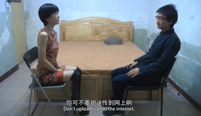 北京小导演设局採访坐檯小姐~用些套路让妹妹在床上爽一波~结果插一插就爆血了?!