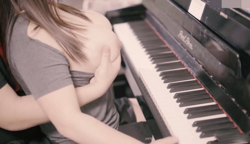 [本土精选!] 苍先生 钢琴女神的呻吟~在妳最爱的钢琴前大爆射!!