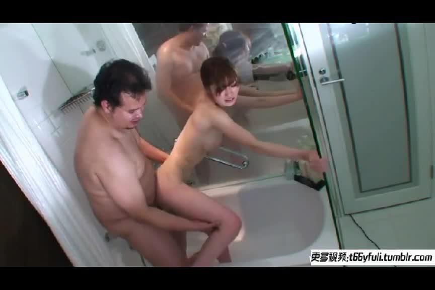 老外在浴室狂干身材超火辣美女