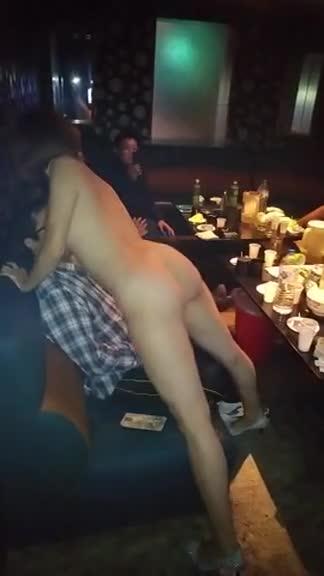 酒店全裸跳贴舞