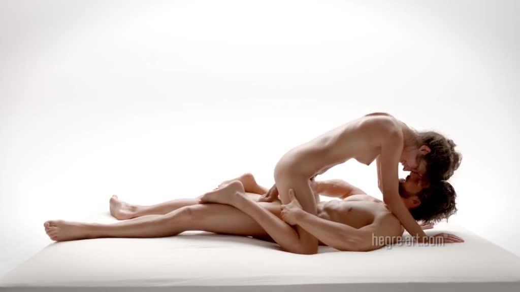 欧美爱情文艺动作片~性爱按摩也能那么艺术