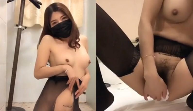 风骚主播唐唐~性感诱惑房东大叔~酒店开房今晚就是要无套内射!!