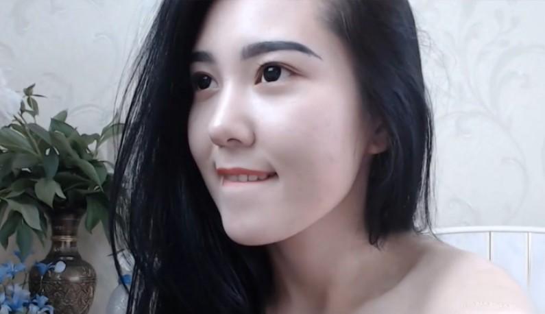 [韩国] 学猫叫主播的关台前性感抿嘴~