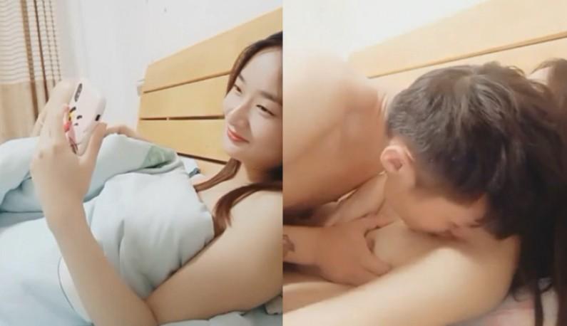 女友为了帮男友增加粉丝数~直接空中爱爱用肉体换抖内!!