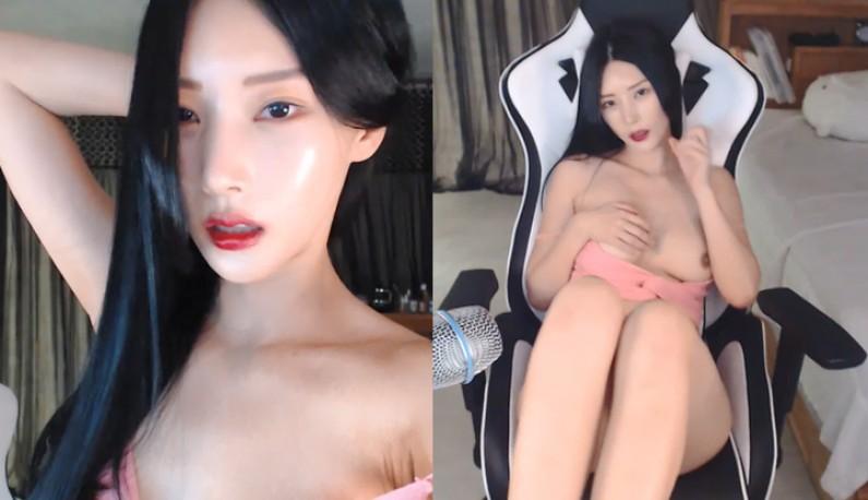 [韩国] 高冷主播在线裸聊~乌溜溜的黑长髮~