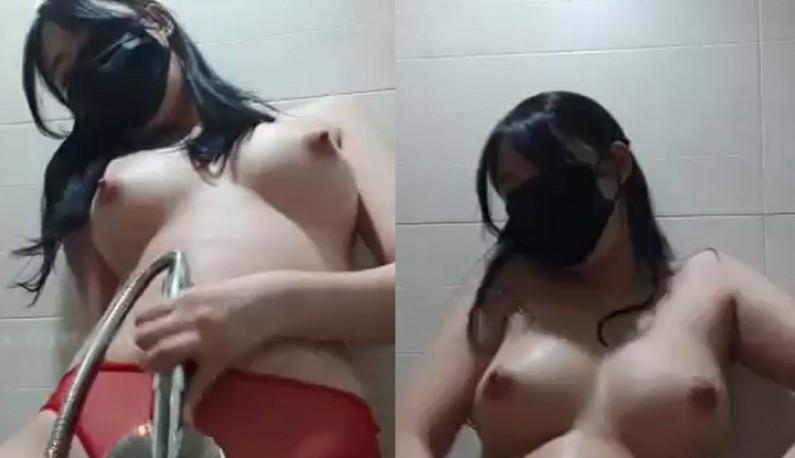 [韩国] 美乳主播的浴室开箱!!第一天就在浴室玩穴给哥哥们看~