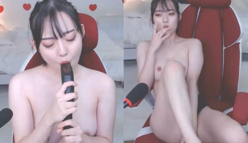 [韩国] 茄子公主神圣诞生!!想像这根茄子就是你的热屌~