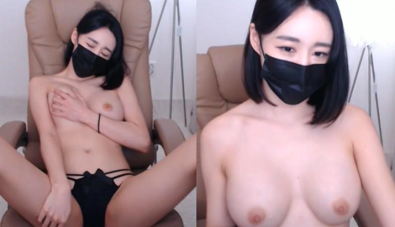 [韩国] 大奶薇薇陪你在线裸聊~