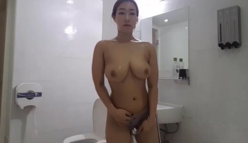 [韩国] 大奶妹洗澡直播!!爹爹们早已在线等候~
