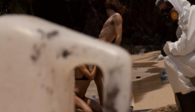 [欧美] 净滩老司机!!用爱做环保!!直接在髒乱的海滩上操起来!!Dirtiest porn ever!!