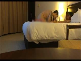 173CM高挑性感大美女高级酒店被土豪干的受不了了直喊爸爸求饶,说:爸爸用力操我,快射给我吧!国语对白