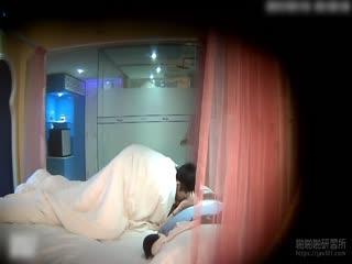 水嫩妹妹被酒店被男友压制猛操~每一下都用力的操到底!