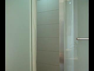 超极品的美女模特被摄影师花钱在宾馆边拍摄高清裸照,边被爆操 淫荡国语对白002039