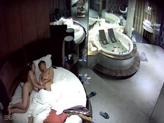 学妹的第一次 帅学长豪华浴缸房主题宾馆约操巨乳学妹性爱初体验 喜摘一血 一晚上搞四次 高清720P完整版