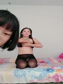 小可爱平台(原卡哇伊)2女1男极品幺妹1110啪啪大秀 激情口交啪啪 十分诱人