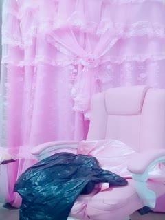 颜值不错粉嫩奶头妹子道具自慰 椅子上张开双腿按摩震动呻吟娇喘非常诱人 很是诱惑喜欢不要错过