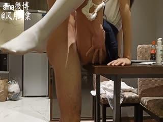 风公子私人公寓约会外国语大学气质美女大学生身材纤细性感美腿桌子上激战叫声一流干的叫爸爸对白淫荡