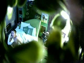 精品小旅馆绿叶房偷拍年轻小情侣开房啪啪女朋友白嫩身材好