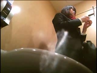 厕所偷拍1——黑色长裙