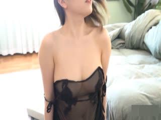 性感美乳女神黄楽然私房魅惑 黑白透视内衣诱人呈现 性感与优雅气息并存