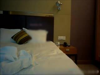 酒店约操高颜值性感高挑大长腿美女嫩模,黑丝高跟包臀裙猛操