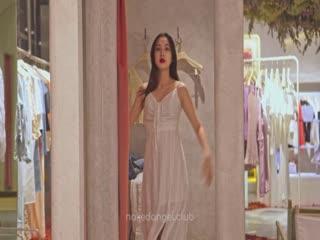 最新流出北京天使捷哥有声音版! 裸体体购物顺便客串一下展柜模特