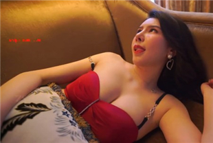 果哥出品混血爆乳女神模特李丽莎品酒师性感诱惑给大款吃鸡巴