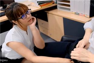 巨乳OL在老板办公室偷情