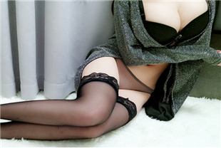 女神麻酥酥-会员版之黑色披风真空