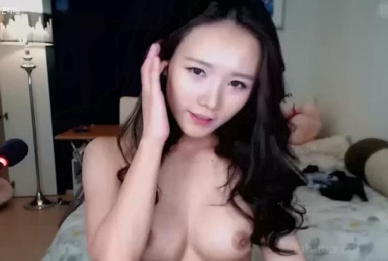 微美系美人~全裸诱惑自慰激烈自插粉穴