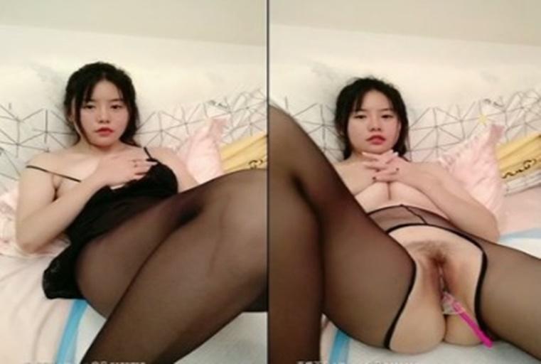 [中文主播外流]刚开播就拼人气,黑丝袜与美鲍的完美组合