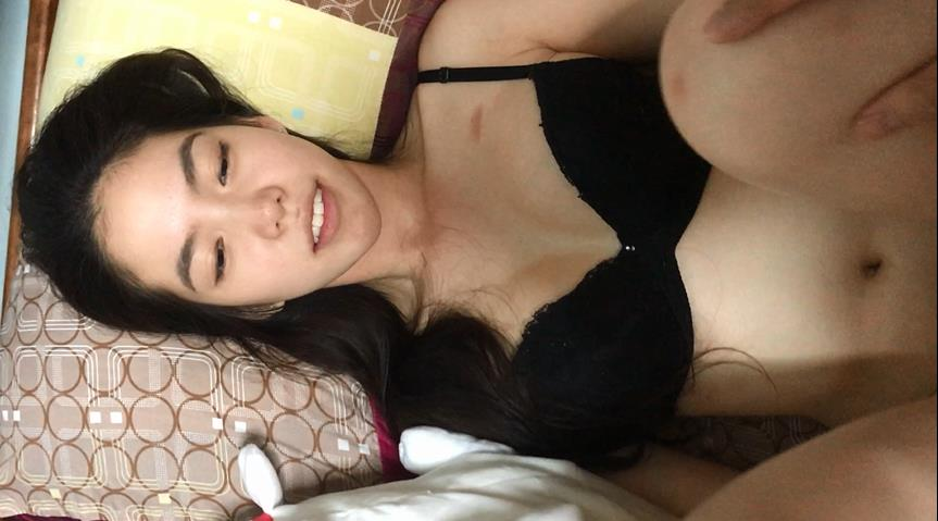 星国冠希哥-与模特女友yummy自拍视频流出5
