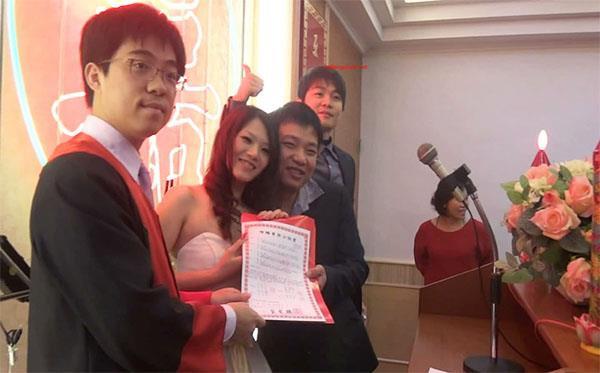 台湾新婚夫妻结婚典礼视频和洞房啪啪啪视频流出,新娘长相一般,贵在真实