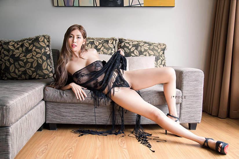 【网曝门事件】泰国E奶爆乳模特Deuna不雅视频流出,完美π圆周率比例的爆乳美女