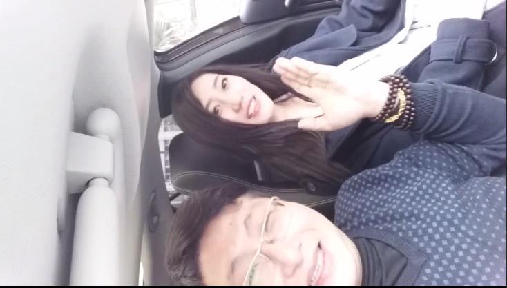 中秋重磅福利香港猥琐眼镜摄影师KK哥与E奶嫩模沈迪上位啪啪口爆