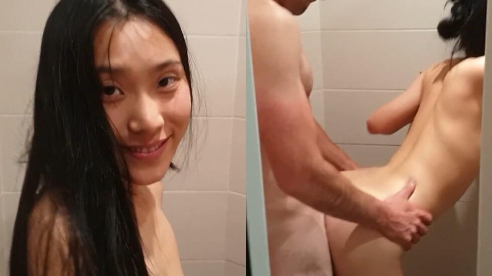 网红女神刘玥在酒店私拍一起吃2根肉棒,后人抽插最后射嘴里
