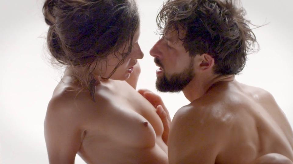 性感美女与男模全裸互相催情推油肉体交合缠绵口交插入