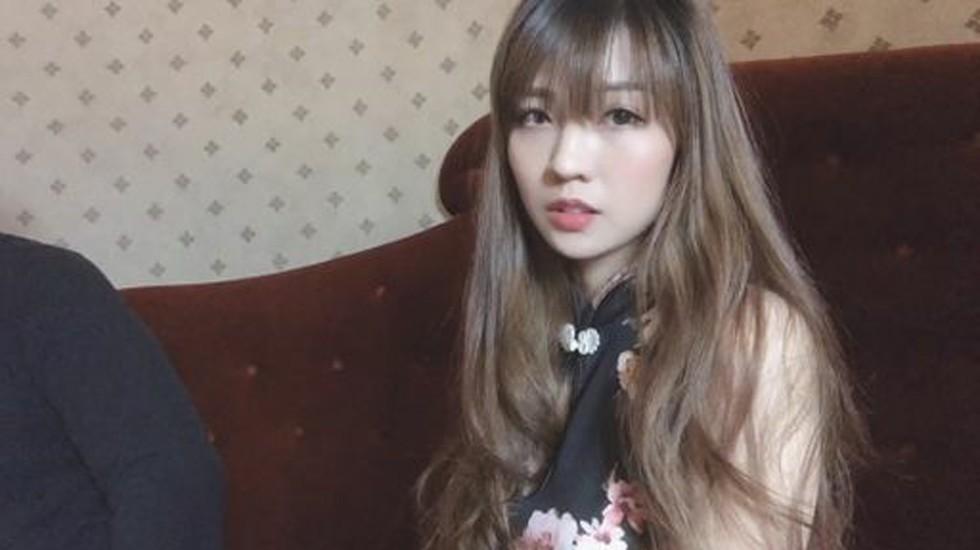 露臉大尺度叫來的紅牌小媛穿著旗袍、美艷臉龐忍不住爽操ㄧ翻????